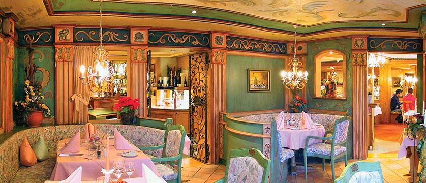 Switzerland_Grindelwald_Romantik-hotel-Schweizerhof_Restaurant-dining-room2.jpg